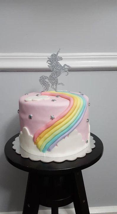 Unicorn theme cake