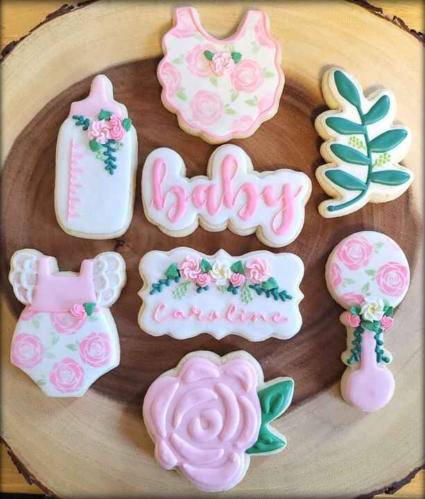 """It's National Sugar Cookie Day, who knew?! A few of my favorites to celebrate the """"holiday"""" 😊"""
