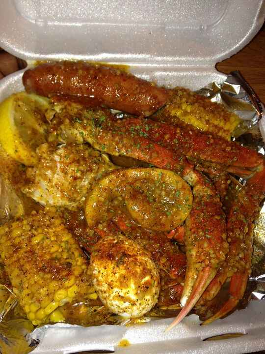 Accepting Seafood Plate orders today. Inbox to Prepay Pick Up only. $25. Includes Snow Crab ClusterFresh Large ShrimpCor...