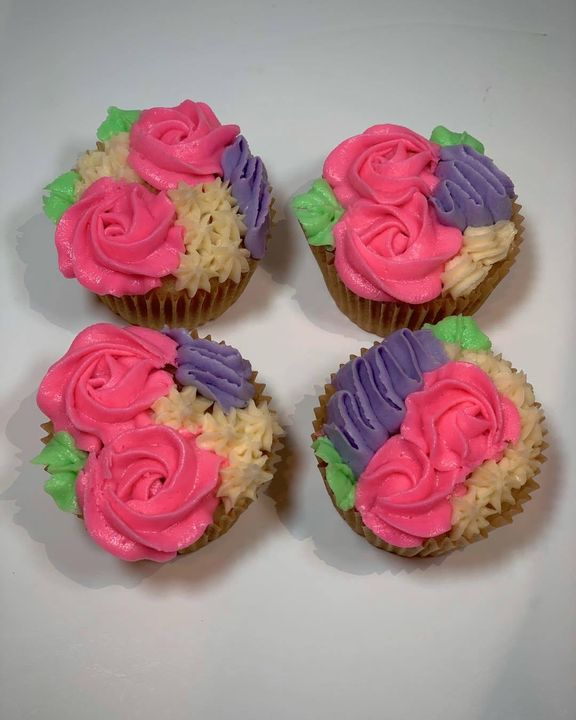 Mother's Day is a week away!! Show your mom how much you love her with Mother's Day cupcakes! 4 cupcakes for $12 and 12 ...