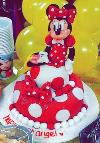 Angel's 5th Minnie mouse cake😻